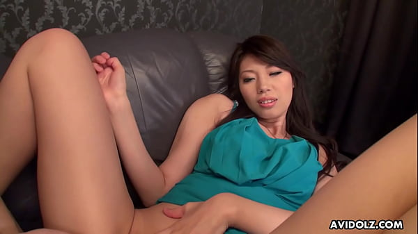 Japanese beauty, Yuu Aso is getting licked, uncensored